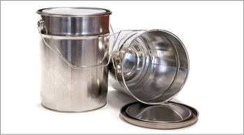 envases metalicos con valvula a presion